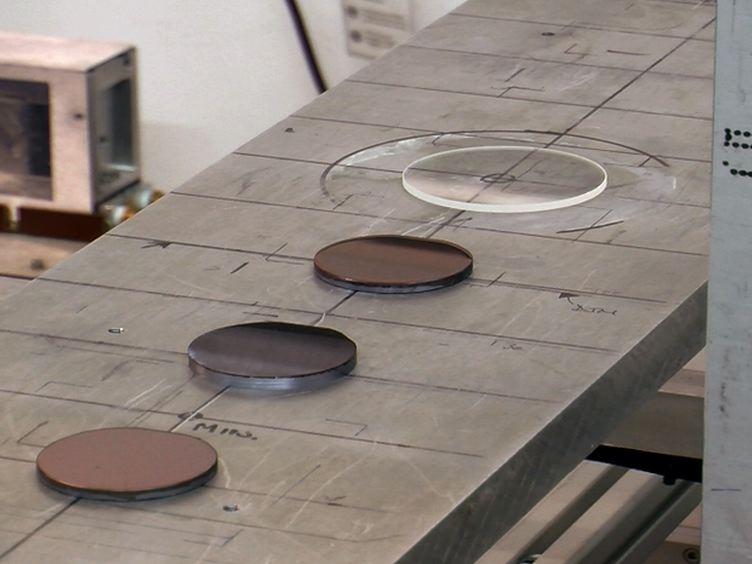 用いた中性子スピンエコーは、有機太陽電池材料を調査するために微小角入射散乱を解決