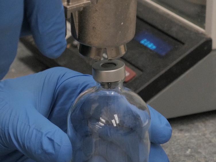 Mätning kolbaserade miljögifts Mineralisering använder kombinerade CO<sub&gt; 2</sub&gt; Flux och Radiocarbon Analyser