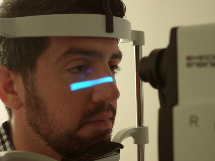 Quantitative Fundus autofluorescence pour l'évaluation des maladies rétiniennes