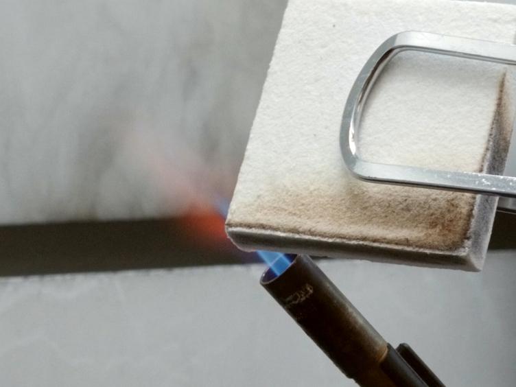 정상 층류 경계층 확산 불길에 지역 열 플럭스와 불타는 환율의 평가에 대한 실험 방법론