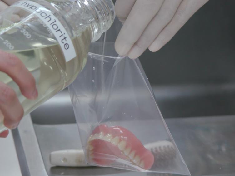 2-Methacryloyloxyethyl فسفوريل كولين بوليمر علاج أطقم الأسنان الكاملة لتمنع أسنان البلاك ترسب
