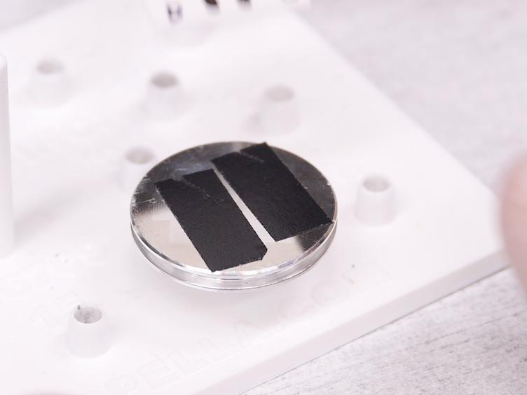 <em>その場で</em>テスト用 LiPON ベース固体リチウム イオン Nanobatteries の集束イオンビーム ビーム加工
