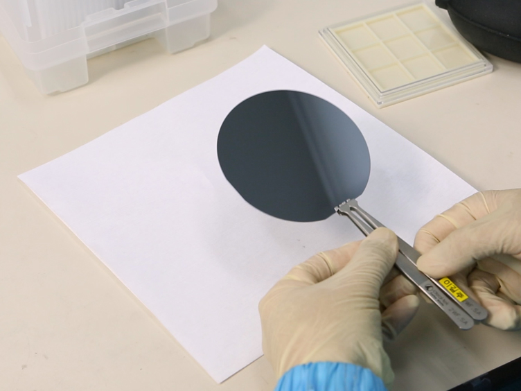Fabrication of Ultra-thin Color Films with Highly Absorbing Media Using Oblique Angle Deposition
