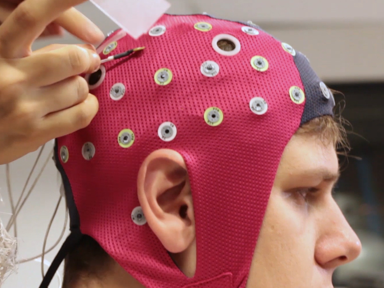 Recording Brain Electromagnetic Activity During the Administration of the Gaseous Anesthetic Agents Xenon and Nitrous Oxide in Healthy Volunteers