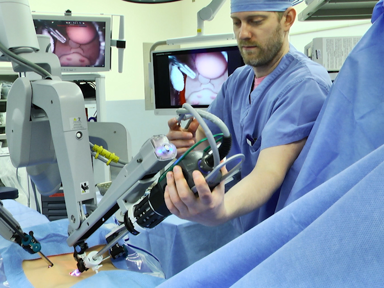 Emergency Undocking in Robotic Surgery: A Simulation Curriculum