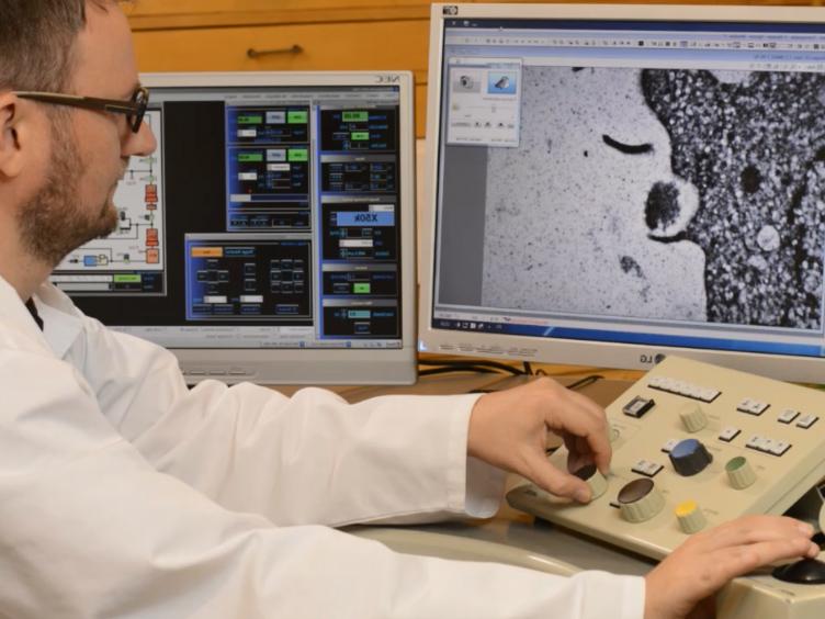 Analyse af mineraler produceret af hFOB 1,19 og Saos-2 celler ved hjælp af transmissions elektronmikroskopi med Energy Dispersive X-ray mikroanalyser