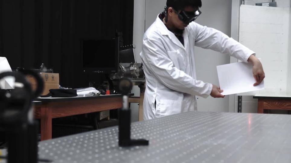 Femtoseconde Laser filamenten voor gebruik in Sub-Diffraction-Limited Imaging en Remote Sensing