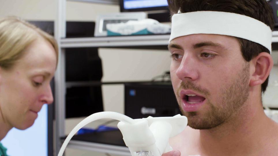 Gennemføre maksimal og Submaximal udholdenhedstræning test for at måle fysiologiske og biologiske svar til akut øvelse i mennesker