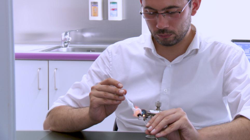 Customizing a Cryolite Glass Prosthetic Eye