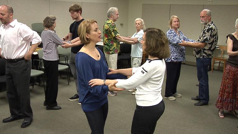 以社区为基础改编的探戈舞的个人与帕金森氏病和老年人