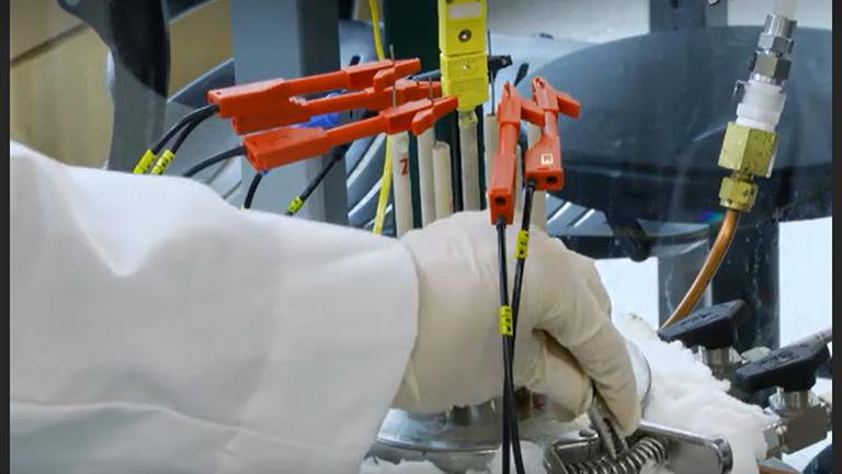 Alkali toprak-sıvı Metal alaşımlar Elektromotor kuvvet tekniği kullanılarak termodinamik özelliklerinin belirlenmesi