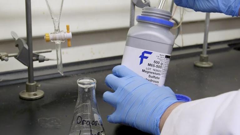 Trennung von Aldehyden und reaktive Ketone von Mischungen mit einem Bisulfit-Extraktion-Protokoll