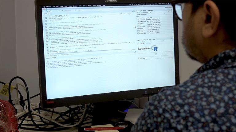 整合计算机语言和社交网络分析,在在线社区中捕捉成瘾恢复资本